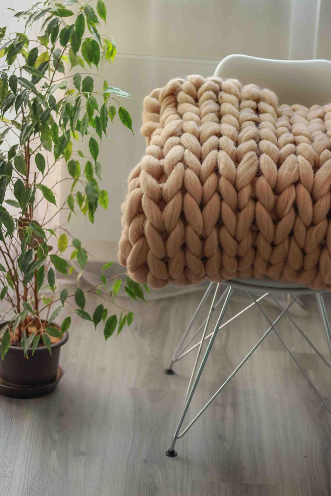 Luxus-Mega-Strickdecke aus 100 % Merinowolle