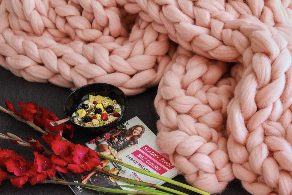 Vlněná deka pastelově růžová